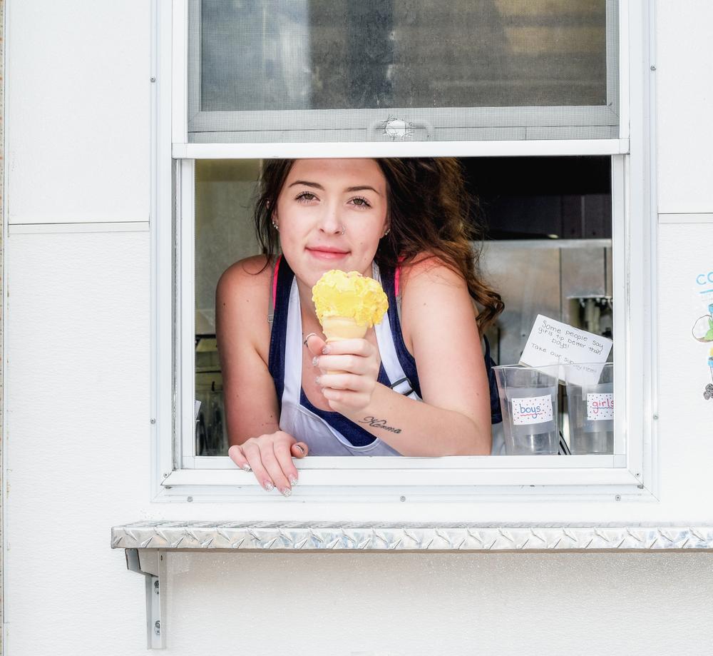 vendre des glaces comme job d'étudiante